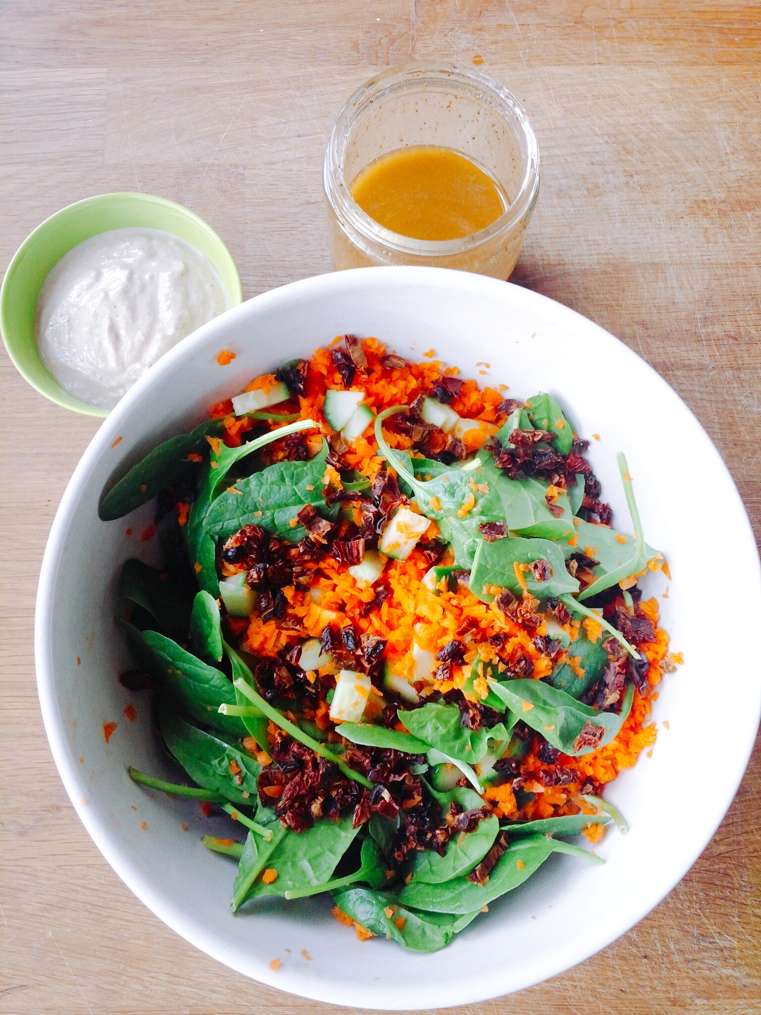 Chili Vinaigrette Salad with Creamy Walnut Sauce (Low ...