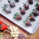 4-Ingredient Dark Chocolate Dipped Strawberries (Low FODMAP, GF, Vegan)